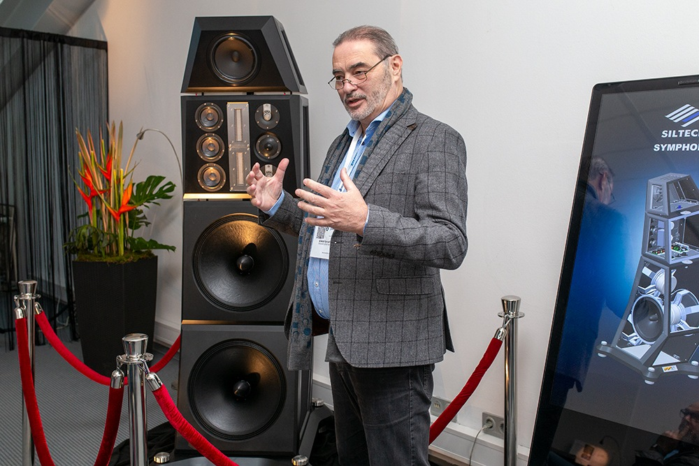 Soundstage Booth with Siltech Symphony Loudspeaker