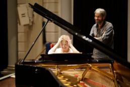 Gabi Rijnveld in concert on piano